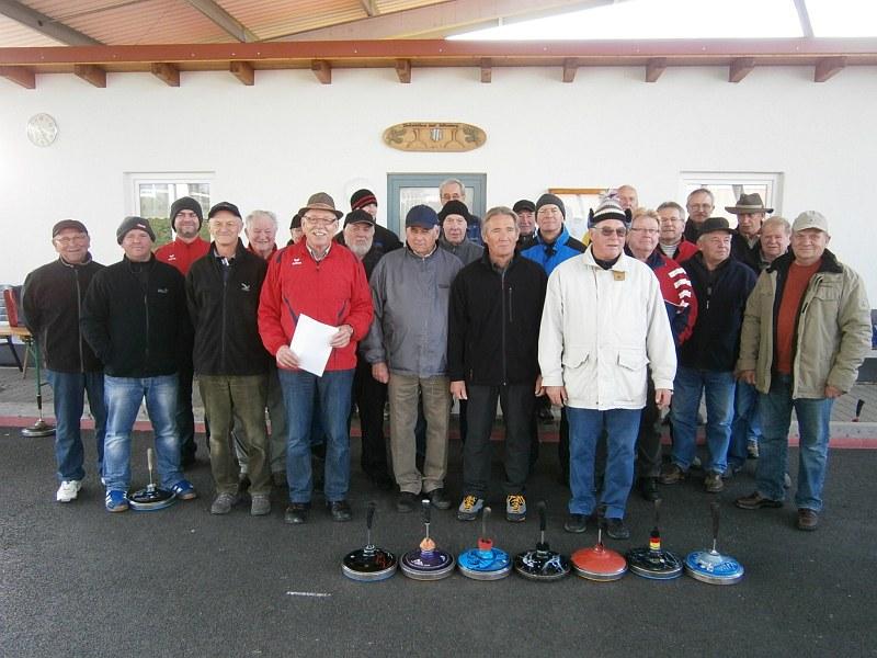 Alle Teilnehmer mit den Siegern Erwin Bruckmoser, Anton Fröschl und Manfred Knopper