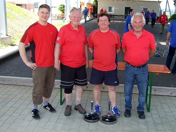 2. Siegermannschaft v.l. Manfred Hoffmann, Erwin Hammerl, Thomas Preuß und Lothar Oberpriller