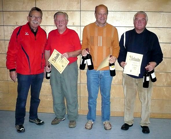 Vorstand Adolf Ottl mit 3. Sieger Hammerl Erwin, 1. Sieger Willmann Dieter und 2. Sieger Knopper Manfred v.l.